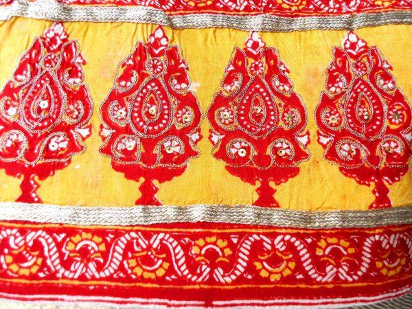 Handmade bag Indian garden pattern close-up front