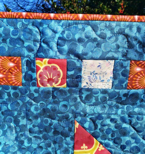 Handmade quilt Little star blue border close-up front